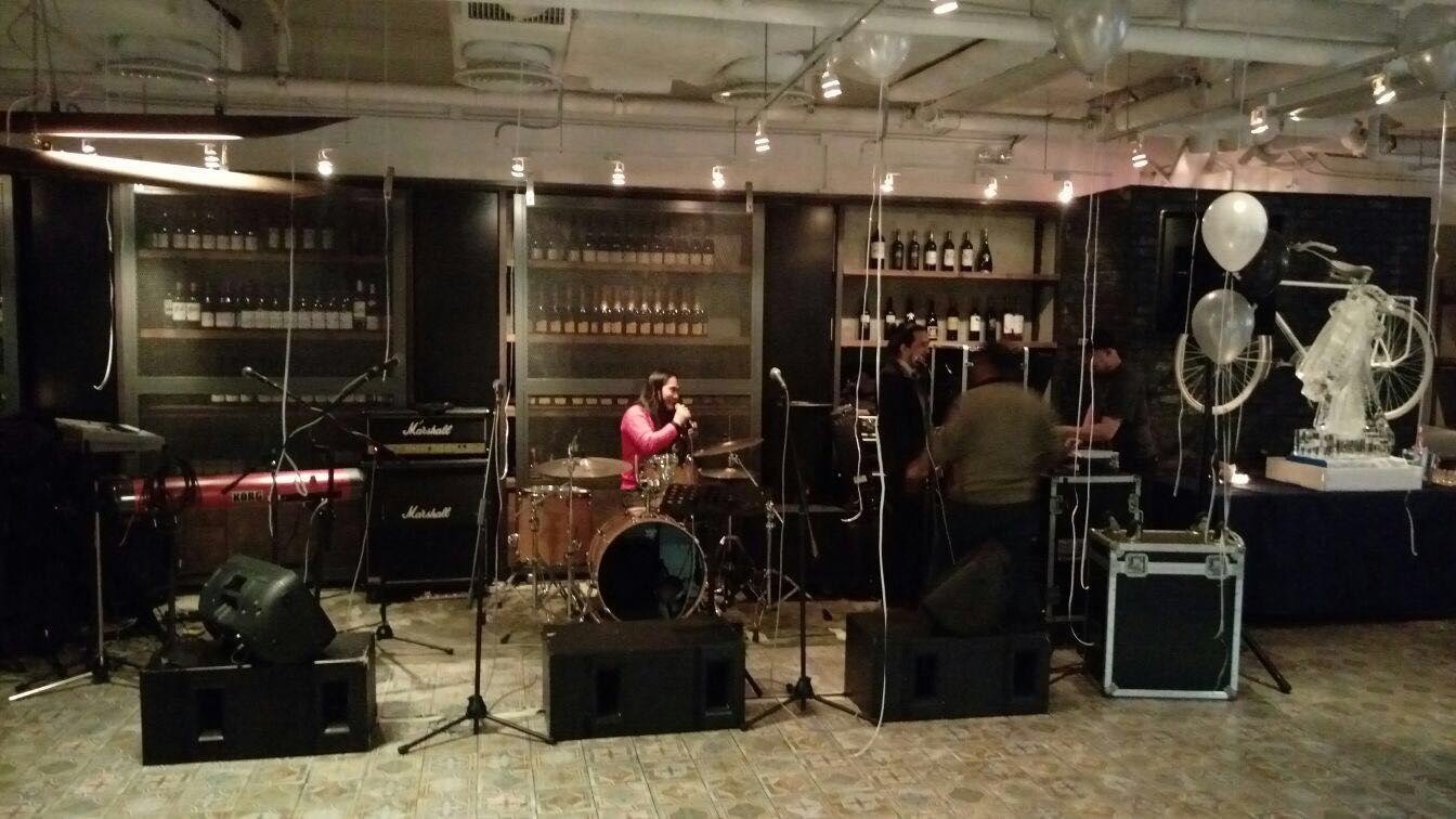 Live Band Black Tie Party @ BRICK LANE Admiralty