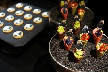 tailor-made-canapes-2