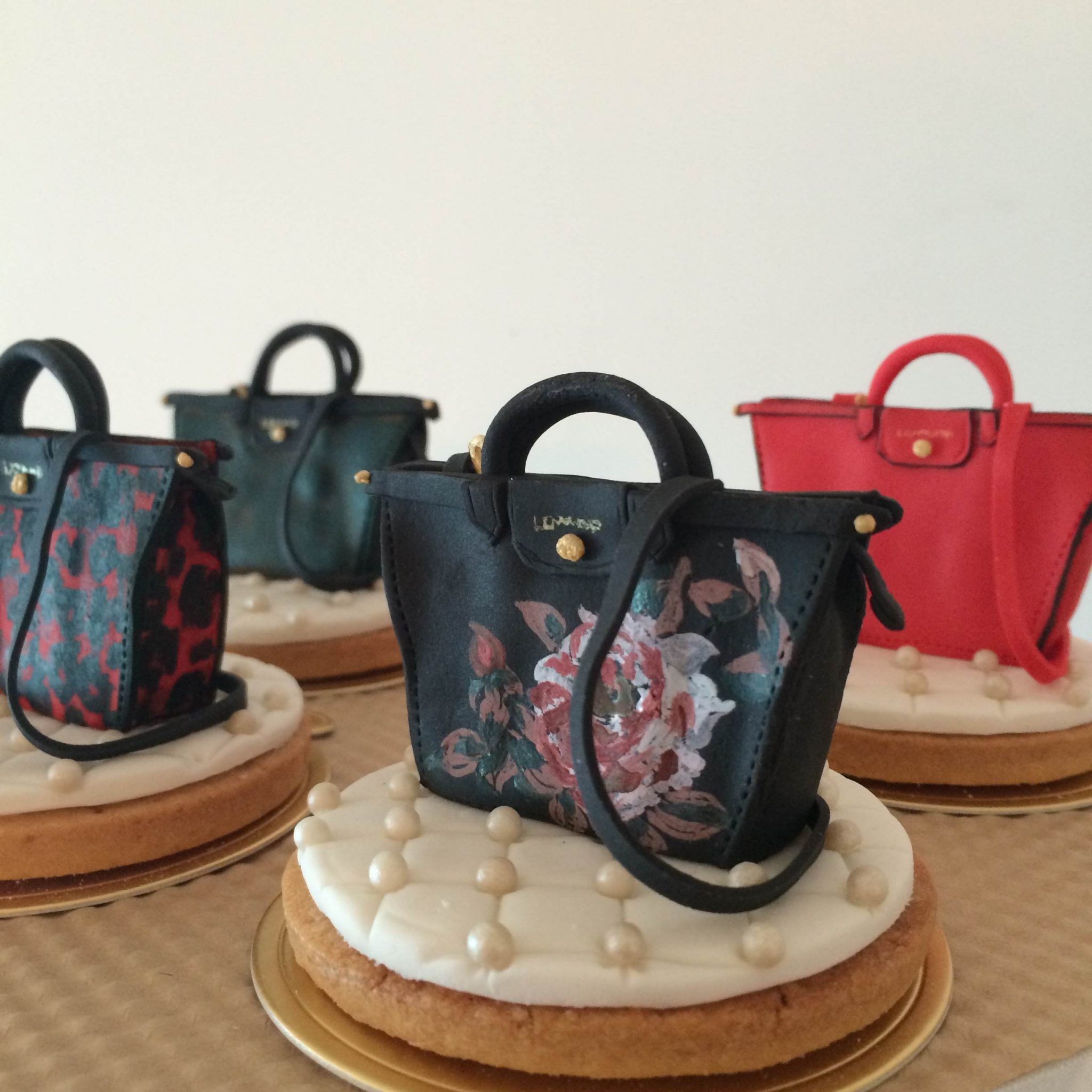 Longchamp Le Pliage Héritage decorated cookies by BRICK LANE Sweets